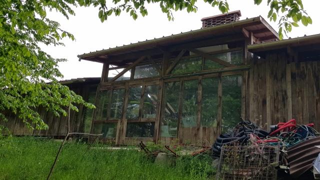 Atelier abri pour le grand four à bois